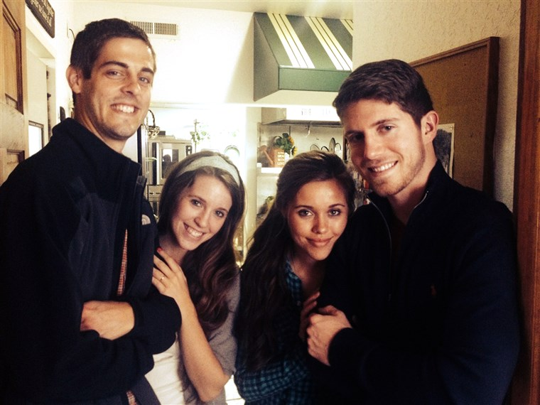 Udvaranje couples: At left, Jill Duggar and Derick Dillard. At right, Ben Seewald and Jessa Duggar