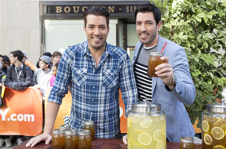 תמונה: The Property Brothers show you how to DIY your backyard for summer