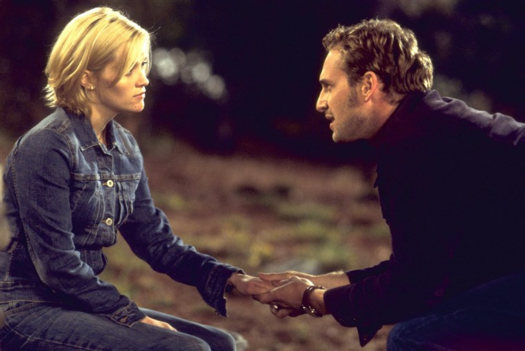 REESE WITHERSPOON as Melanie Carmichael and JOSH LUCAS as Jake Perry in 'Sweet Home Alabama.'