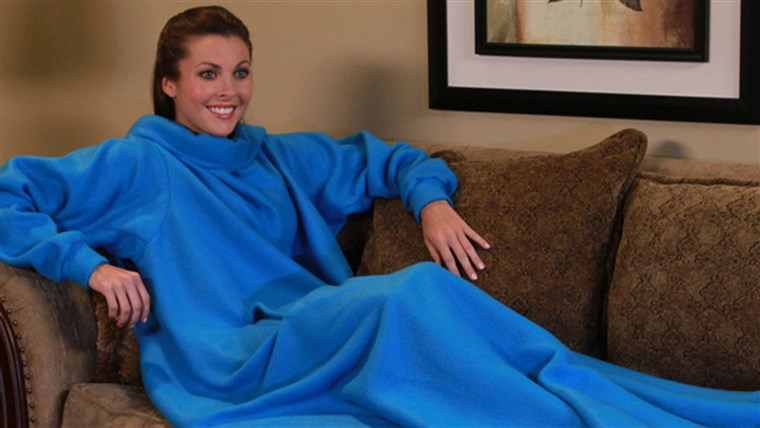 Kép of a Snuggie. The FTC is sending refund checks to people who bought the product through Allstar Marketing Group