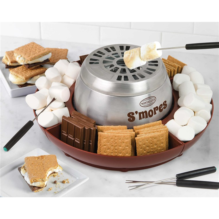 Nostalgija Electrics Lazy Susan S'Mores Maker