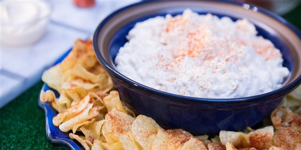 Rak Dip with Spiced Potato Chips