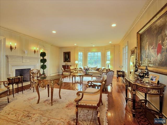 טרייסי Morgan buys colonial home in New Jersey