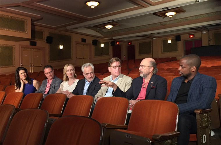 देना of 'The West Wing' reunites on TODAY