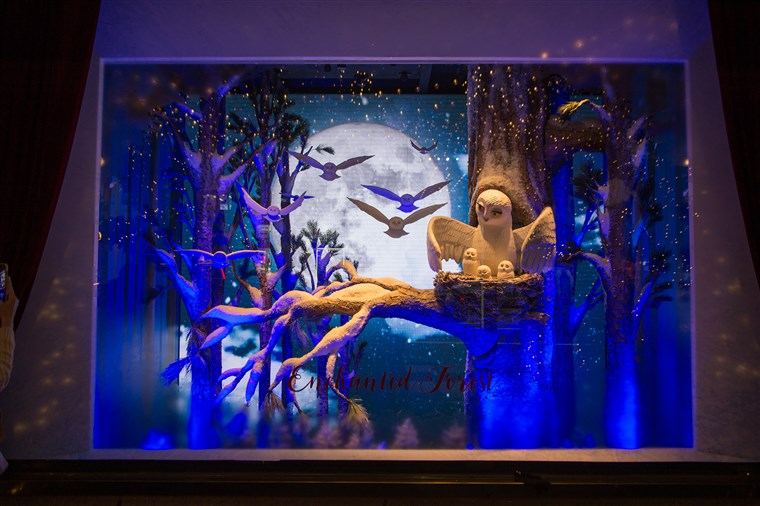 भगवान & Taylor department store holiday windows.